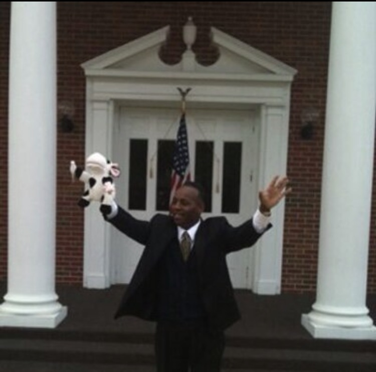 NTCC-Memphis-Pastor-Crain-with-cow