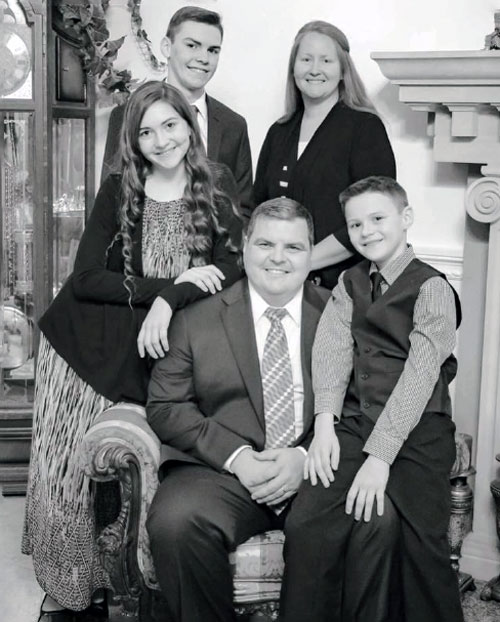 ntcc-springfield-pastor-woodlee-family-bw