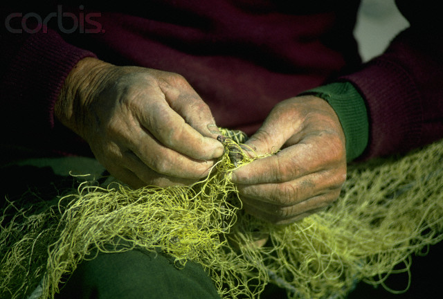 new-testament-christian-church-mending-nets